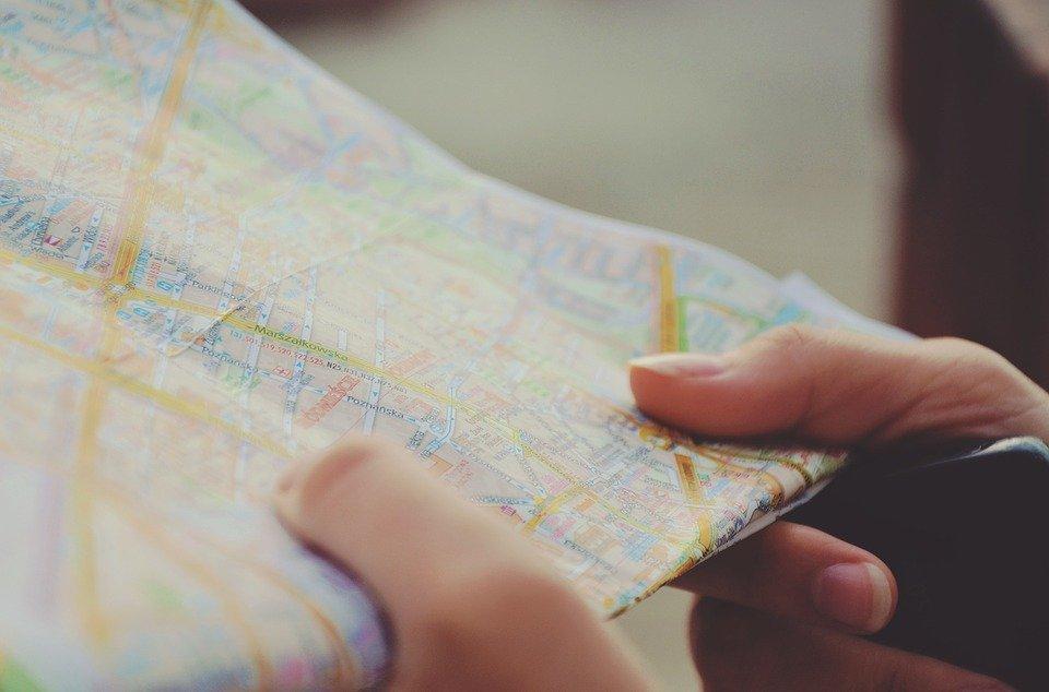 Mapa, Navegación, Manos, De Viaje, Ruta, Viaje, Ciudad