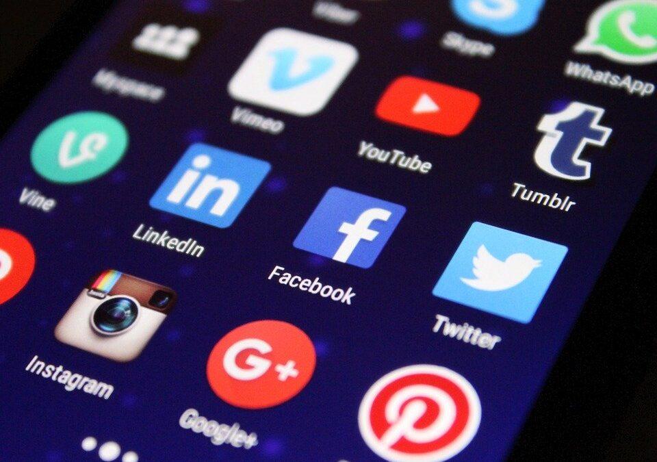 ¿Cómo redactar para redes sociales ¿Es diferente que para un blog? Ejemplos según tu público