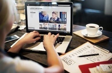 Diferencias entre redactar artículos para vender y artículos informativos.